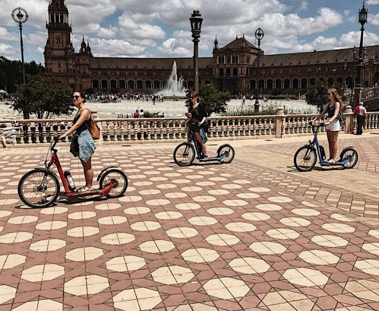 Rutas por Sevilla. Free Tour Sevilla y Visitas Guiadas - Feel the City Tours